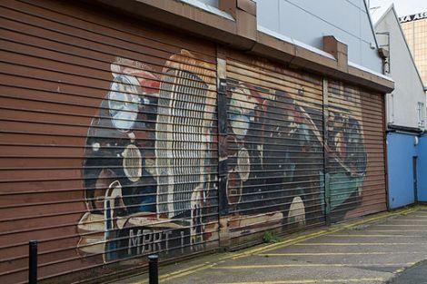 mural_door
